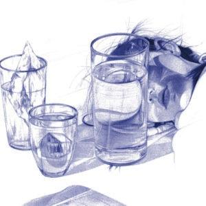 Ilustración realista a bolígrafo Bic azul de una chica acostada entre vasos de cristal
