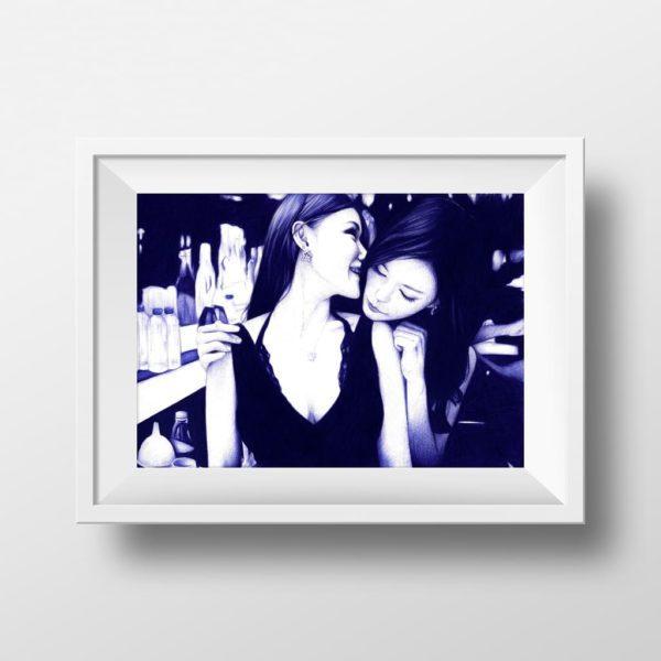 Mockup de ilustración realista a bolígrafo Bic azul de dos chicas en un club