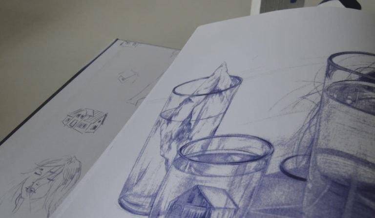 Detalle de una ilustración a bolígrafo Bic en un libro